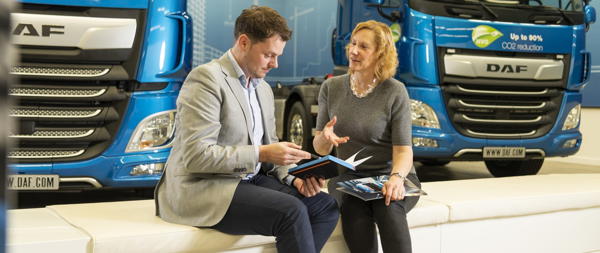 marketing-sales-working-daf