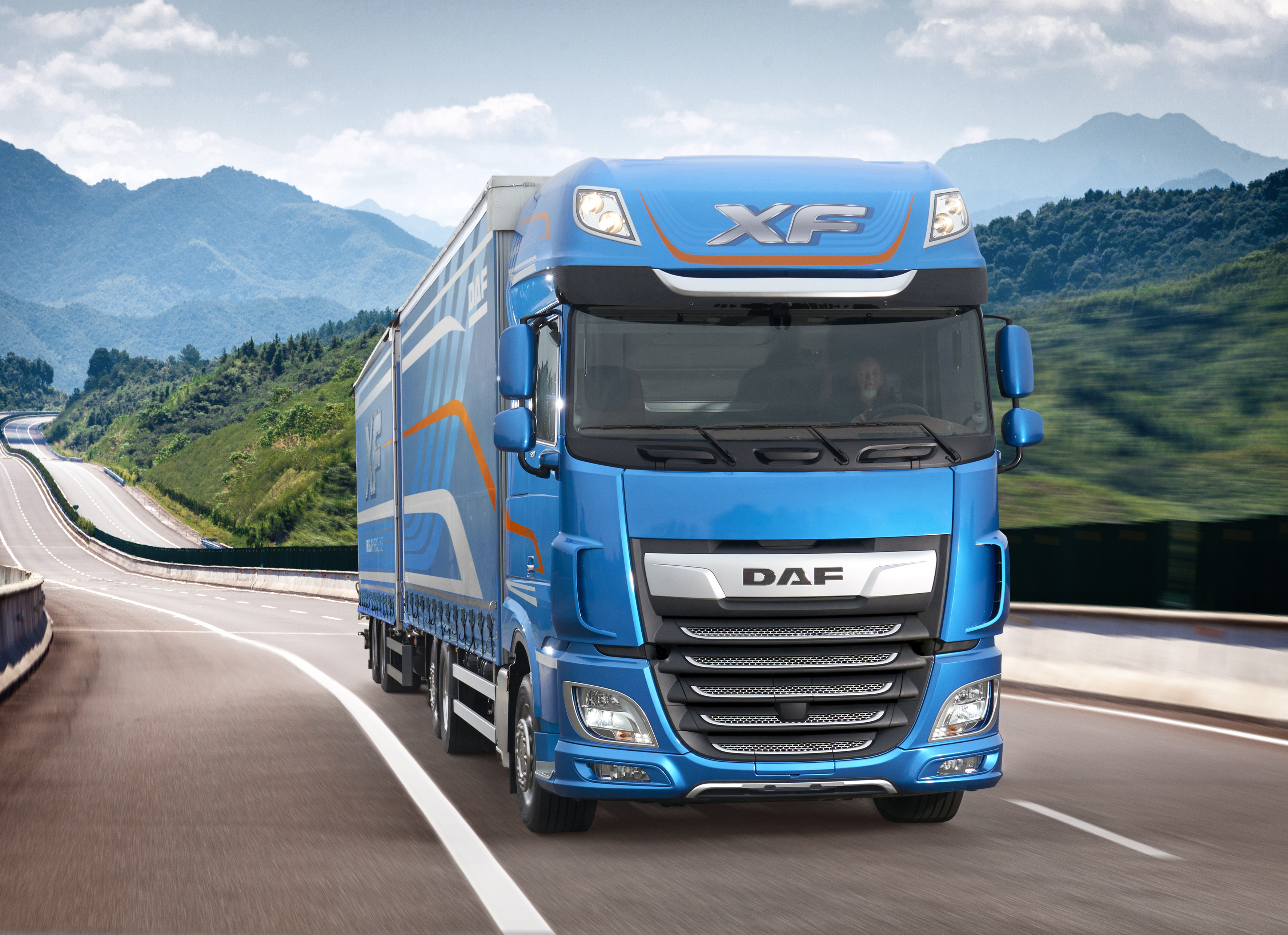 The new DAF CF and XF Pure Excellence - DAF Trucks N V