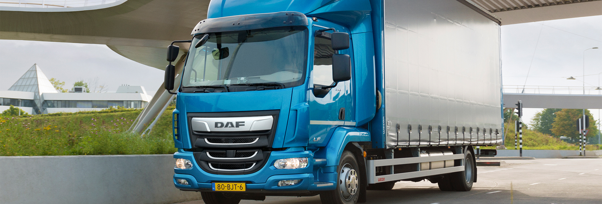 DAF Introduces LF