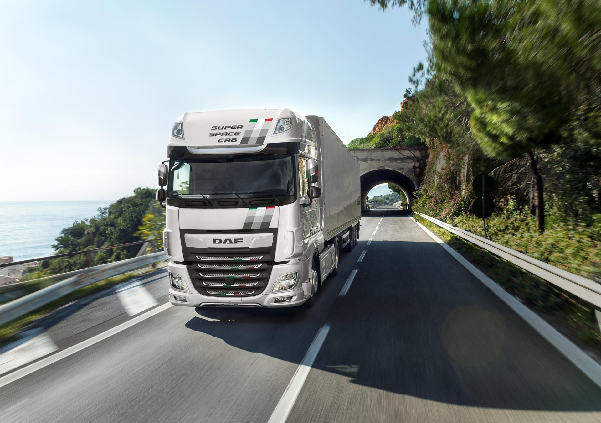 DAF-introduces-XF-Unity-Edition